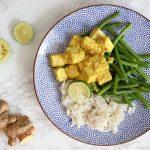Vegetarische kip kerrie maar dan met tofu en sperziebonen