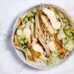 Wraps met krokante kip, wokgroenten en romige sweet chili