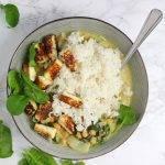 Groene curry met paksoi, spinazie en paneer (Indiase kaas)