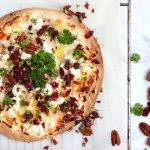 Tortizza met geitenkaas, cranberry en pecan